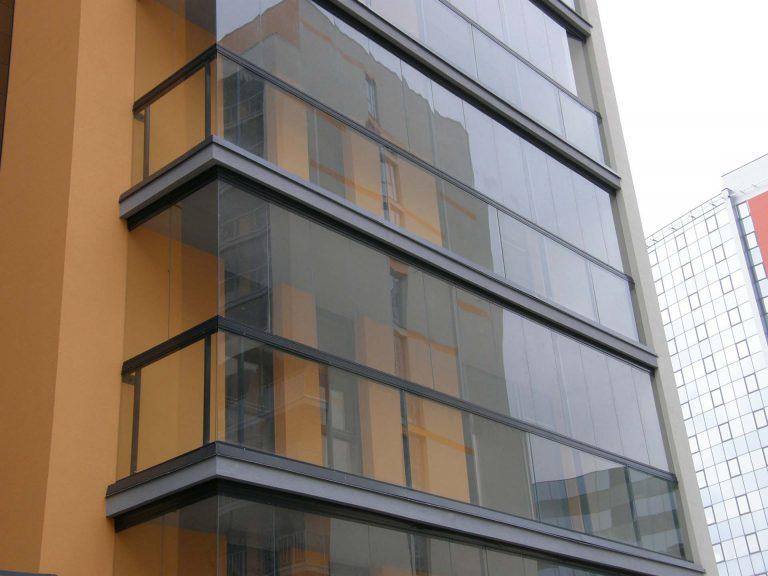 cerramiento de cristal en balcón